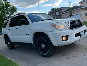 TOYOTA 4 RUNNER 2007 4x4, Low Kms Low Price.