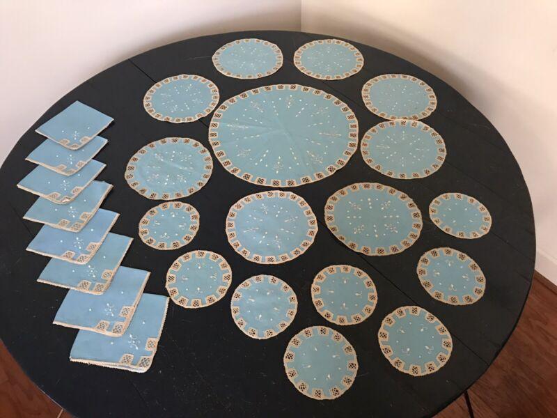 MALTESE BLUE LACE DOILIES TABLE MATS & 8 NAPKINS - Vintage set of 25