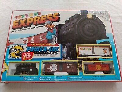 Vintage 1992 Toys R Us Express HO Scale Electric Train Set WORKS GREAT!