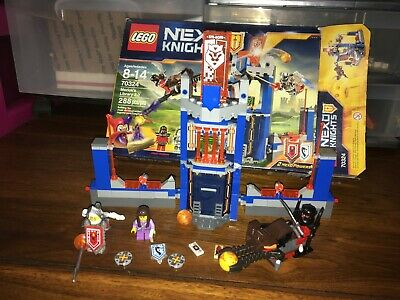 Lego Nexo Knights 70324 Merlock's Library 2.0 Complete Figures, Manual and Box
