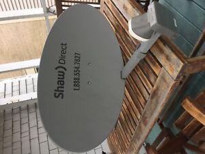 Satellite dish complete with Quad LNB
