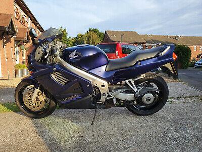 Honda VFR750 Lapis Blue