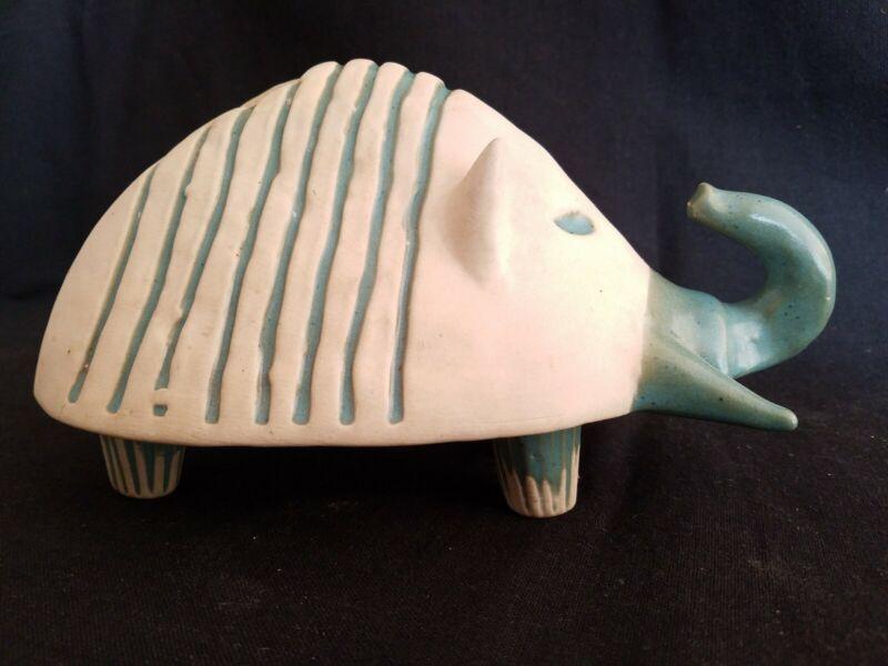 Mid Century Bennington Pottery Elephant Armadillo Bank David Gil 1542 Blue