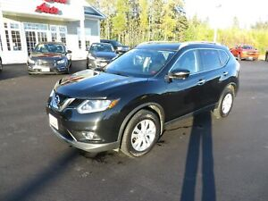2014 Nissan Rogue SV AWD, NAVIGATION, PANORAMIC SUNROOF, PWR GAT