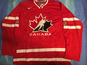 Signed 2013 Canadians women's IIHF jersey