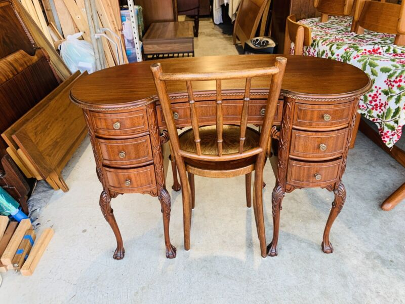 Beautiful Antique Mahogany Carved Kidney Shaped Executive Desk W/ Chair L@@K