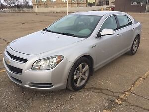 Chevy Malibu Hybrid ONLY 29,000 km!!!