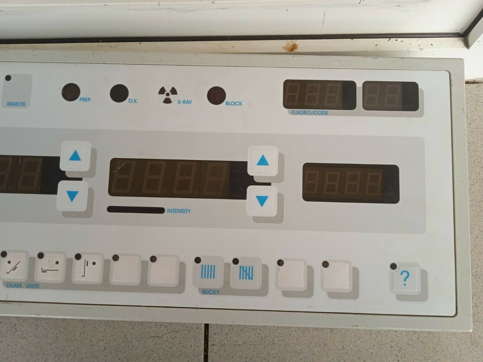USED X-RAY RADIOLOGY  HOSPITAL MACHINE  KEYBOARD