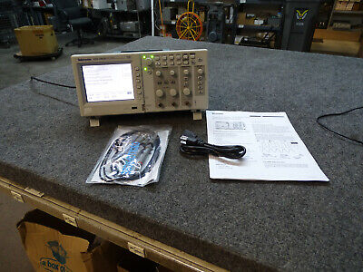 Tektronix Tds1002b 60 Mhz Digital 2-channel Oscilloscope Wprobes Free Ship