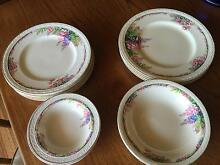 J & MEAKIN ENGLAND DINNER SET Dromana Mornington Peninsula Preview