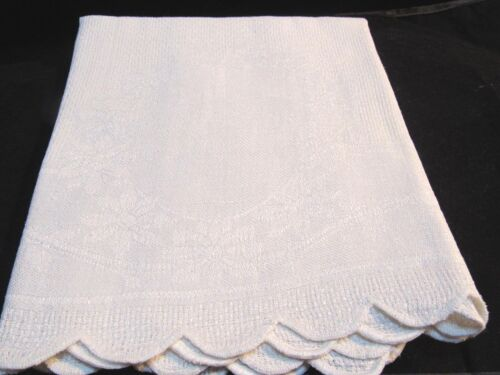Antique White Woven Linen Daisies Wreath Large Bath Hand Towel Scalloped Edges