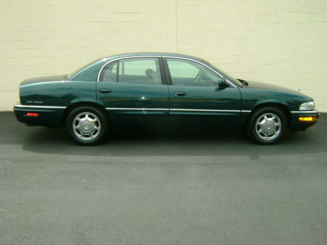 Image 1 of Buick: Park Avenue Green