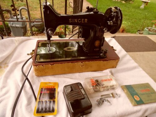 1956 Singer 99K Sewing Machine With Case (WORKING)