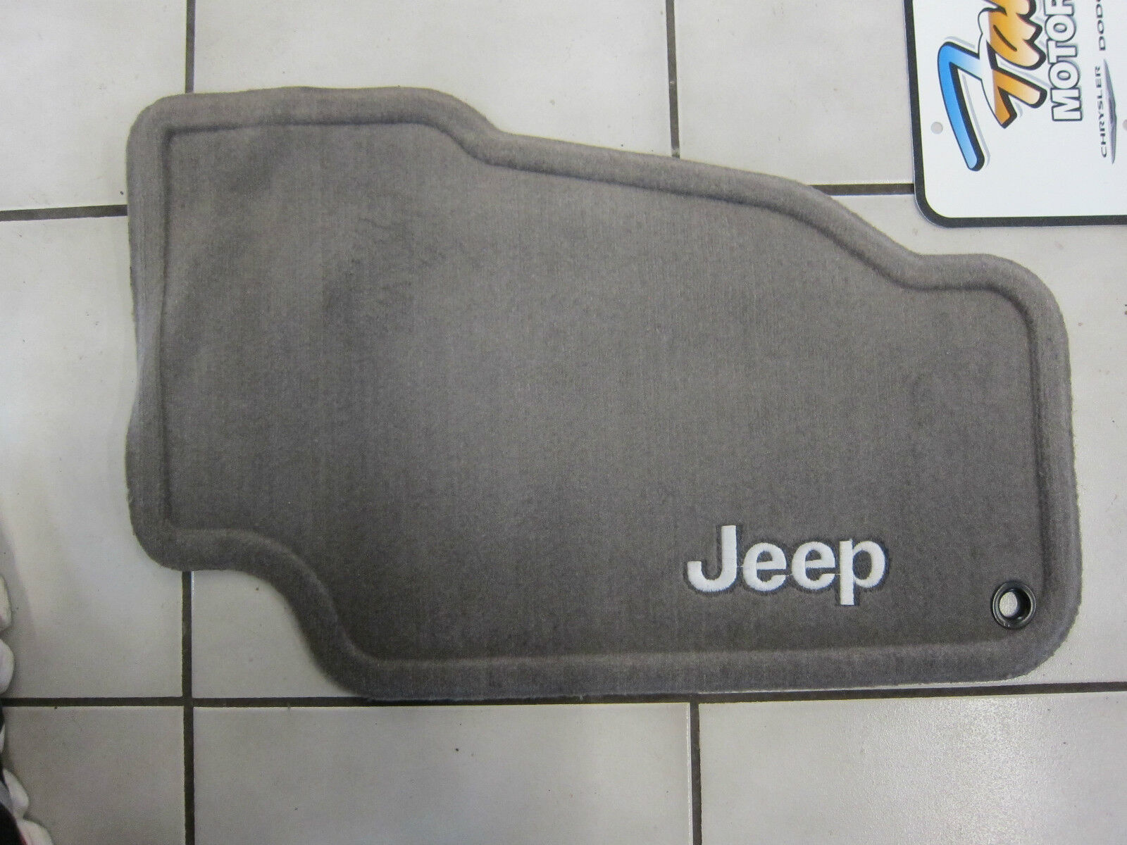 1999 2004 Jeep Grand Cherokee Taupe Carpet Floor Mats