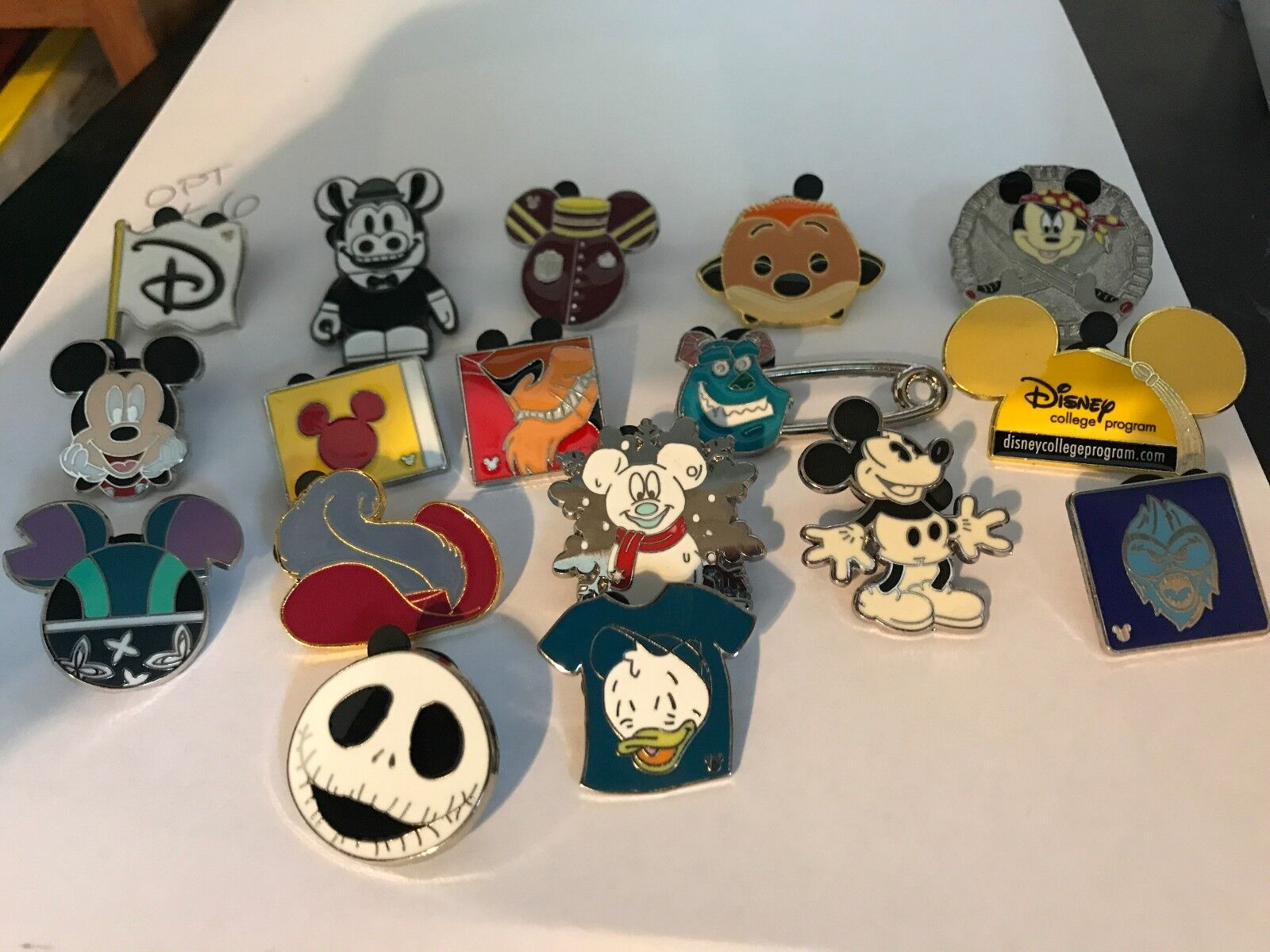 Wholesale lot of Disney Trader Pins 5,10,15,20 you choose the Amount