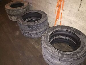 Selling 6 truck tires size 225/70/19.5