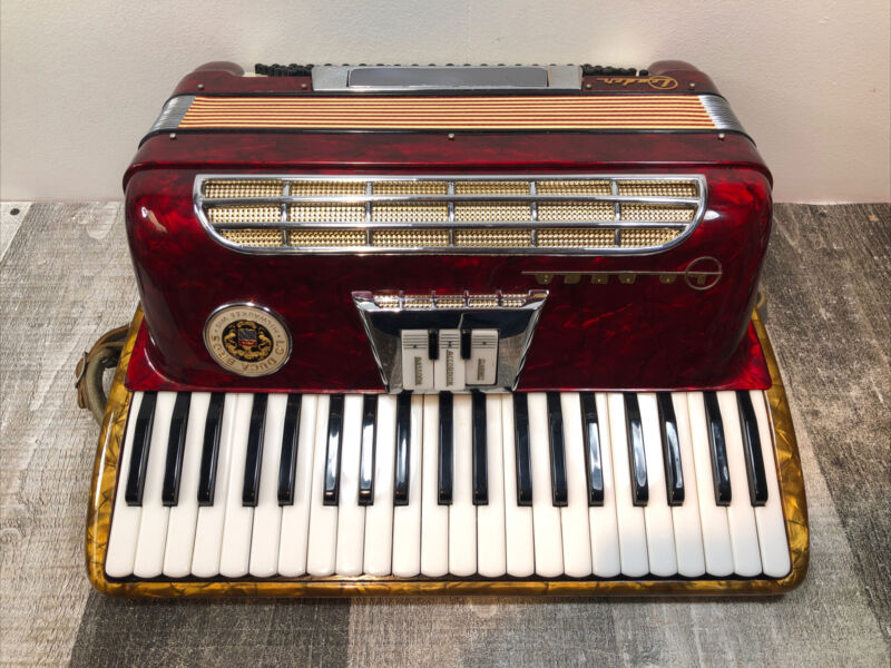 Vintage Lo Duca Bros Milwaukee Wisconsin Leader Accordion Red Made In Italy
