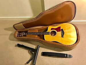 TAYLOR 210CE ROSEWOOD/SPRUCE DREADNOUGHT ACOUSTIC-ELECTRIC GUITAR Docklands Melbourne City Preview