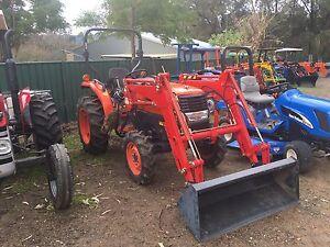 Kubota tractor aprox 40 HP 4x4 slasher bucket Kangaroo Valley Shoalhaven Area Preview