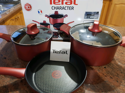 TEFAL Character 3pc Pot/Frypan Set NEW
