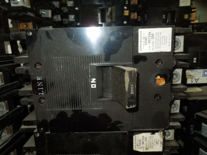 Square D Type Ml-3 997326 200a 3p 600vac Circuit Breaker Used