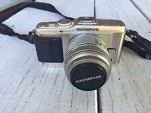 Olympus PEN E-P3 12.3 MP Twin Lens Kit + Accessories Pagewood Botany Bay Area Preview