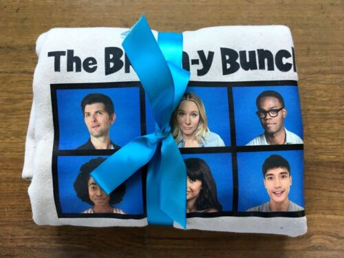 THE GOOD PLACE 2019 promo sweater adult M Brain-y Bunch Gildan NBC ULTRA RARE
