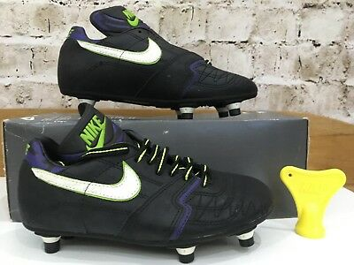 e0ea9832ca59 Vintage 1980s Nike football Boots Uk 4 US 4.5 Eu 36.5 BNIB Black Soccer  Studs OG