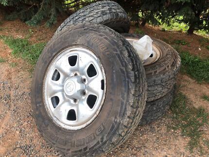 Toyota Hilux wheels
