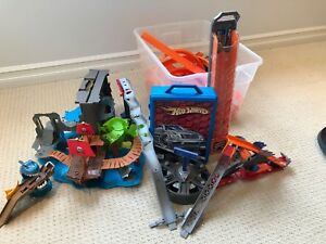 HUGE Assortment of Hotwheels+Matchbox