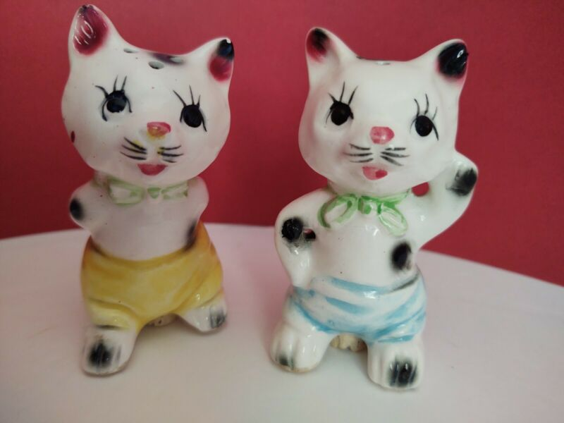 Vintage Japan Ceramic Cat Salt And Pepper Shakers Cork Stoppers