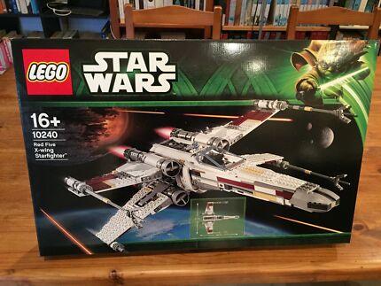 Various BNIB discontinued Lego sets including Star Wars & Modular