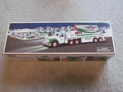 HESS NIB NEW MINT 2002 TOY TRUCK AND AIRPLANE