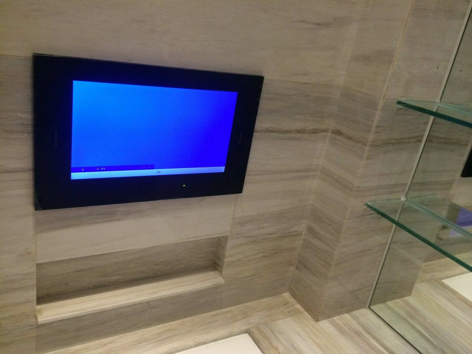 Hot sale! Luxury Hotel Bathroom mirror tv,waterproof mirror tv