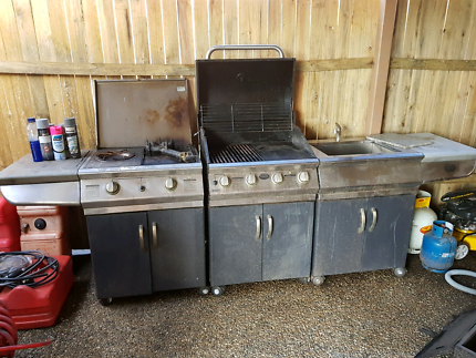 BBQ with sink and storage