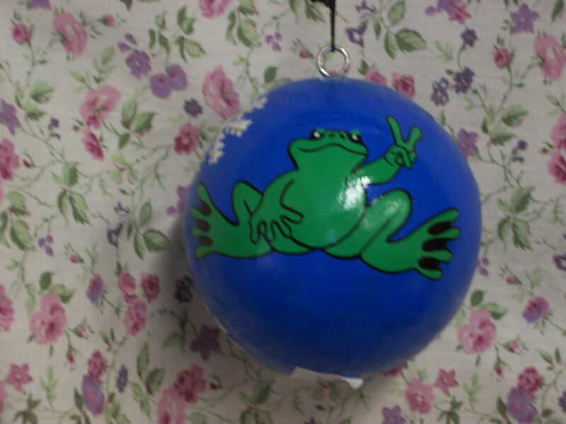 NEW PEACE FROGS SNOWFLAKE BALL ORNAMENT