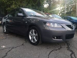 Mazda 3 2007 TOURING SUNROOF AC REALLY CLEAN LOW MILLEAGE