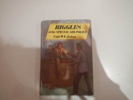 BIGGLES OF THE SPECIAL AIR POLICE HARDCOVER W.E. JOHNS EXCELLENT