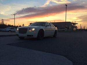 Looking to sell /trade my Chrysler 300 $2800 obo