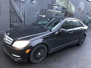 2011 Mercedes C250 4matic with navigation