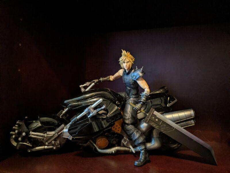 Final Fantasy 7 Remake Play Arts Kai Cloud Strife & Hardy Daytona