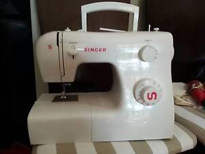 Singer 2250 sewing machine white Blacktown Blacktown Area Preview
