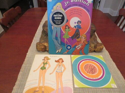 1973 Whitman Listen-And-Play Jr. Edition Fashion Show W/ Record Paper dolls