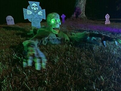 Spirit Halloween ORIGINAL Grave Grabbing Corpse Animated Prop