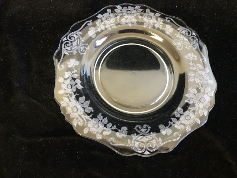 "Cambridge Glass Company Apple Blossom 9 1/2"" plate 3400"