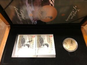 Elusive Look - 1$ Coin and Stamp Set