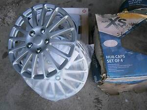 """Set of 4 silver plastic hubcaps 14""""/35cm - as new Warragul Baw Baw Area Preview"""