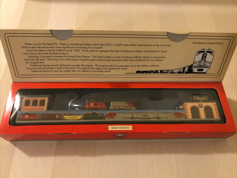 2001 Lionel Schylling Lionel Train Station Tinplate wind up Toy Train Santa Fe