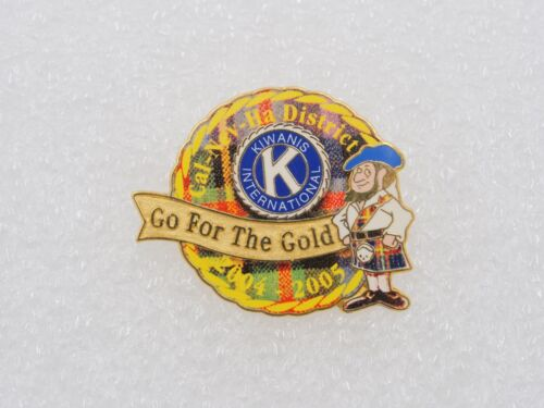 Kiwanis International 2004-2005 Go for the Gold Lapel Pin Gold Tone AA64