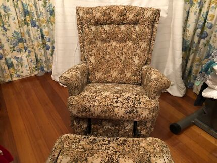 Retro wingback recliner chair